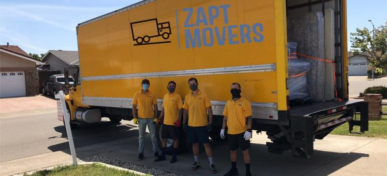 Zapt Movers team in front of their truck